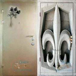 Входная дверь с ковкой и фотопанелью