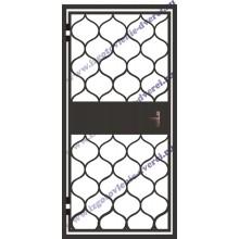 Тамбурная решетчатая дверь с установкой