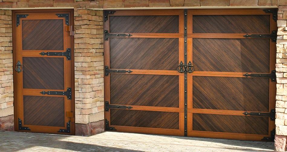 Распашные гаражные двери и ворота